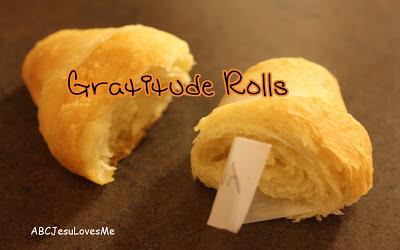 Thanksgiving Gratitude Rolls